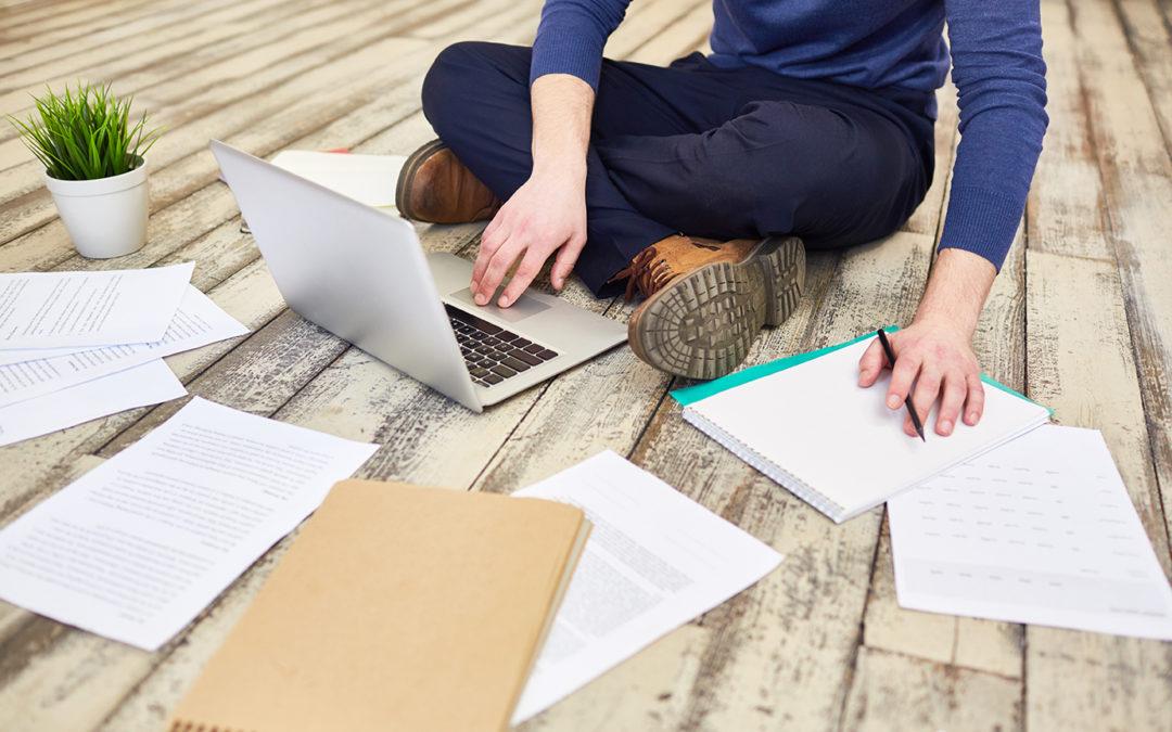 Devenir traducteur freelance : le choix d'un statut, votre première décision en tant que chef d'entreprise !